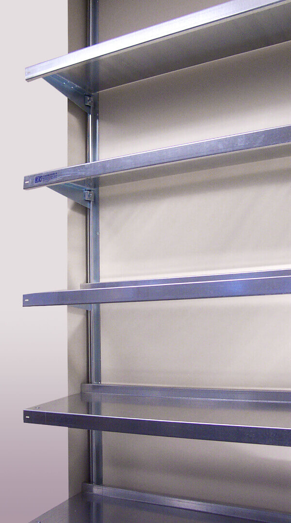 Laboratory Shelving in Custom Dimensions